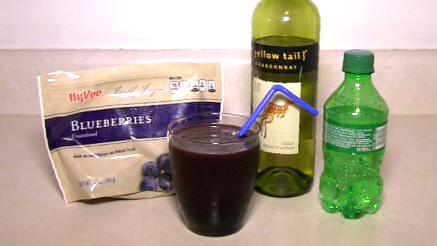 Blueberry White Wine Spritzer